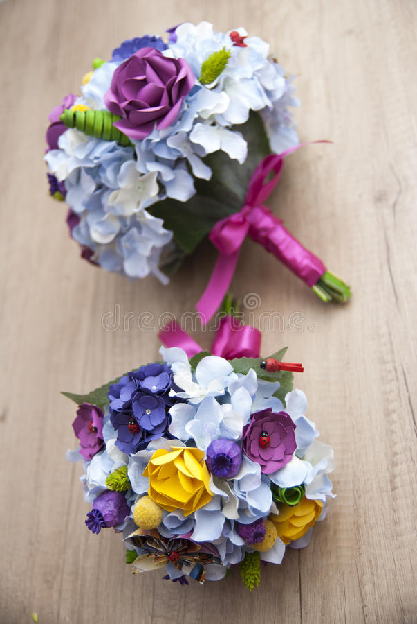 Flores de papel coloridas - ramalhete da noiva foto de stock