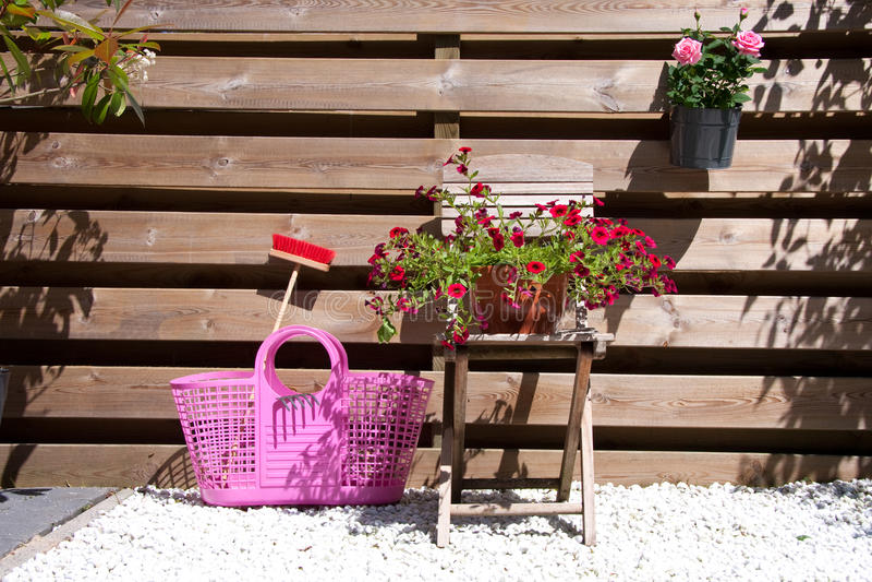 Flores e equipamento fotos de stock