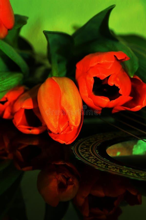 Flores e música, símbolos fotos de stock