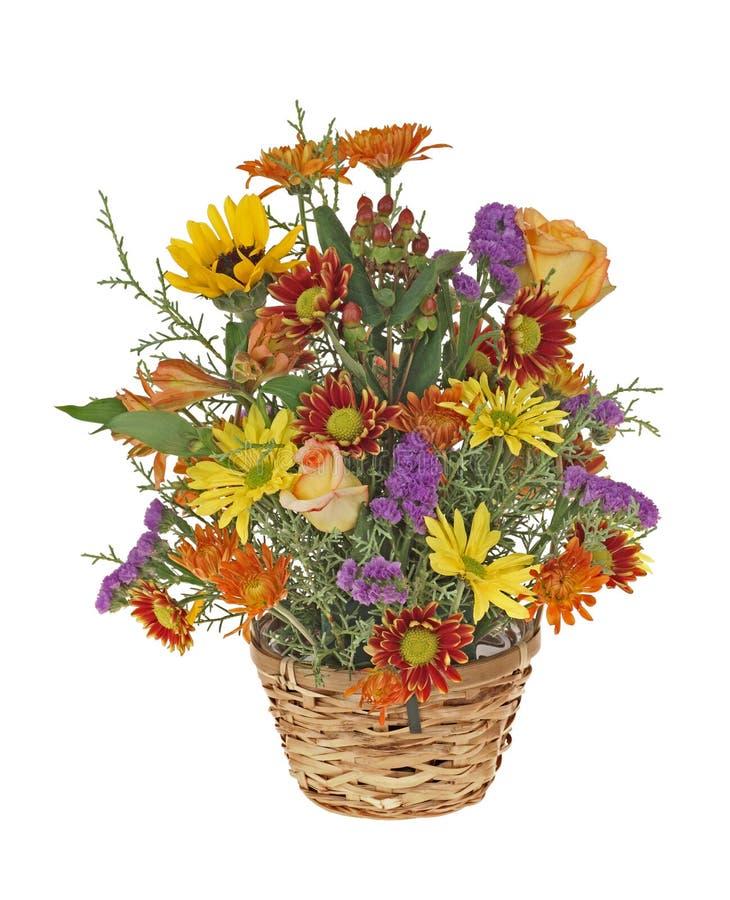 Flores em uma cesta foto de stock