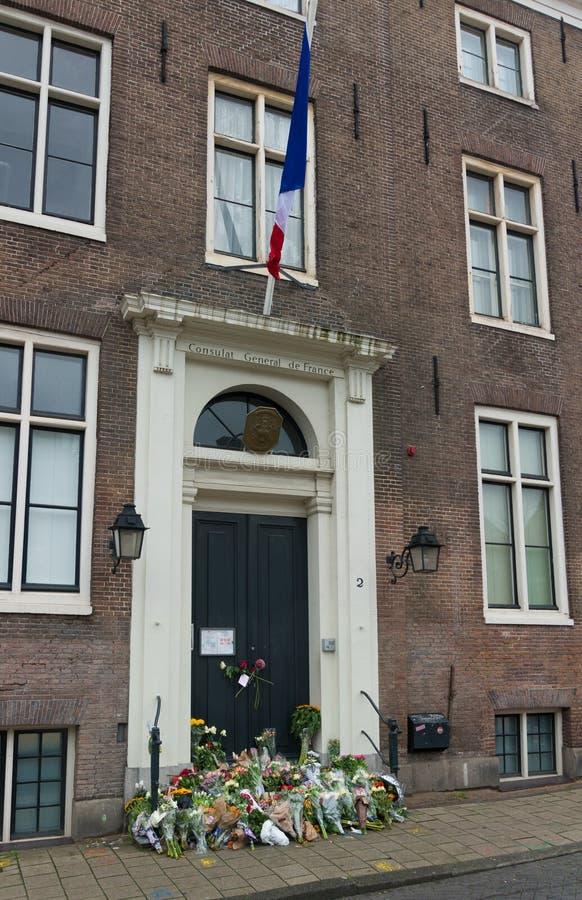 Flores en el consulado francés fotografía de archivo
