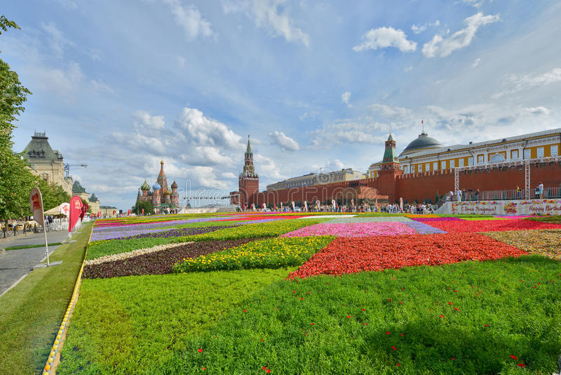 Flores en Plaza Roja fotografía de archivo libre de regalías