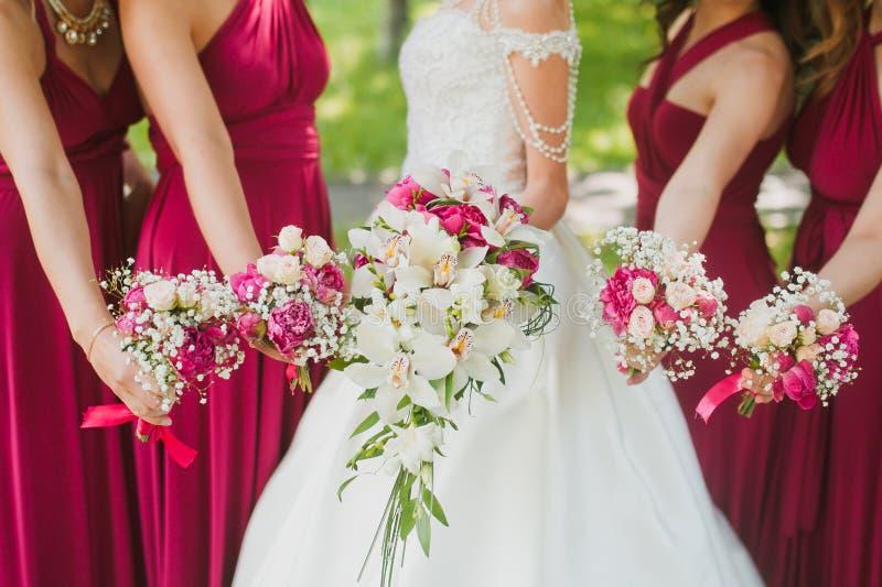 Flores nupciales de la boda fotografía de archivo