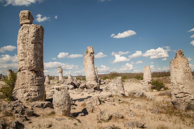 Floresta de pedra, Varna, Bulgária, kamani de Pobiti, fenômeno da rocha imagem de stock