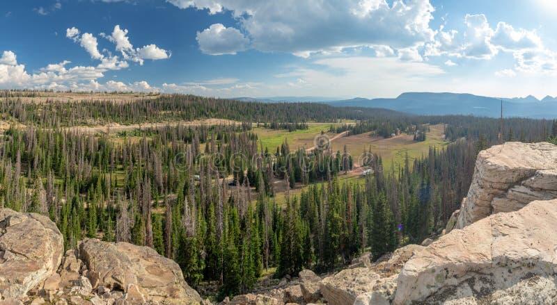 Floresta nacional do Uinta-Wasatch-esconderijo, lago mirror, Utá, Estados Unidos, América, perto do lago slat e do Park City imagem de stock