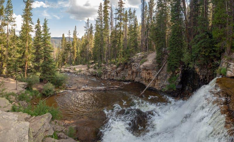 Floresta nacional do Uinta-Wasatch-esconderijo, lago mirror, Utá, Estados Unidos, América, perto do lago slat e do Park City fotografia de stock