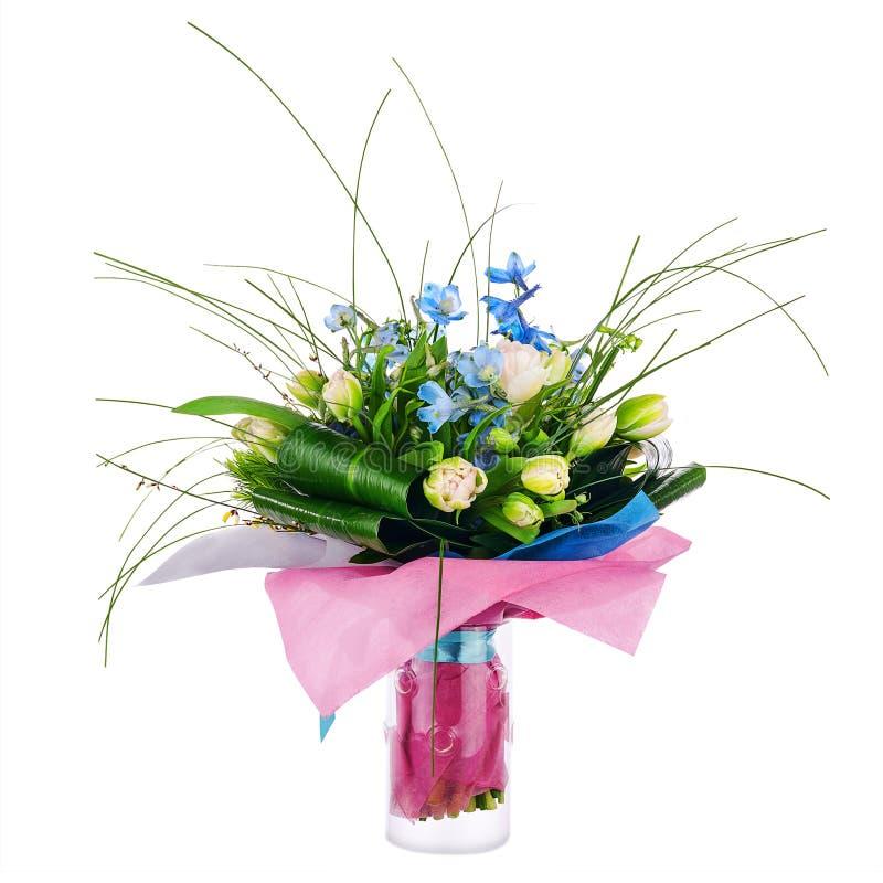 Florezca el ramo de tulipanes, del iris y de otras flores imagenes de archivo