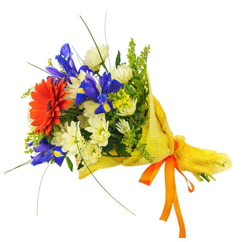 Florezca el ramo del gerbera, del iris y de otras flores aislados imagenes de archivo
