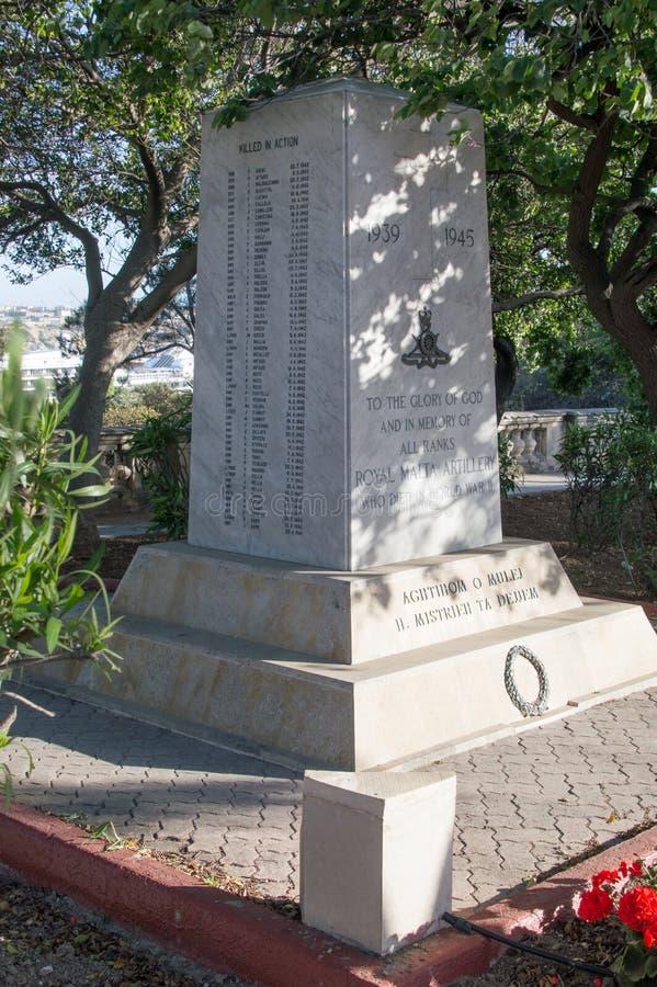 Floriana, Malta - 9. Mai 2017: Königliches Malta-Artillerie-Denkmal WWll Monument zum Ruhm des Gottes und zum Gedenken an alle Rä lizenzfreie stockfotos
