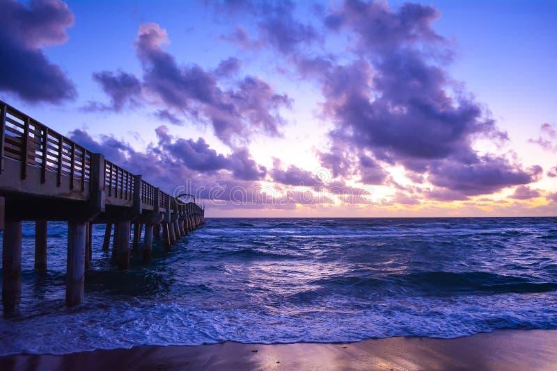 FloridaÂs Sonnenaufgang lizenzfreie stockfotos