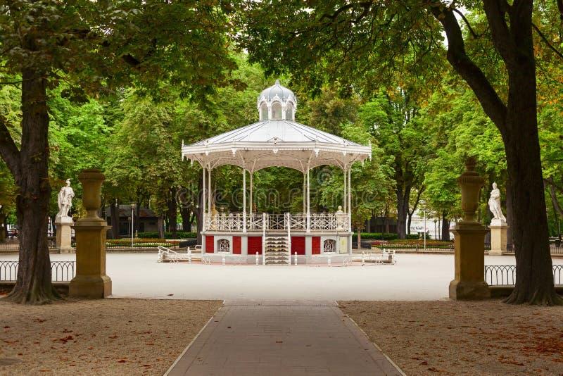 Florida-Park in der Stadt von vitoria lizenzfreie stockbilder