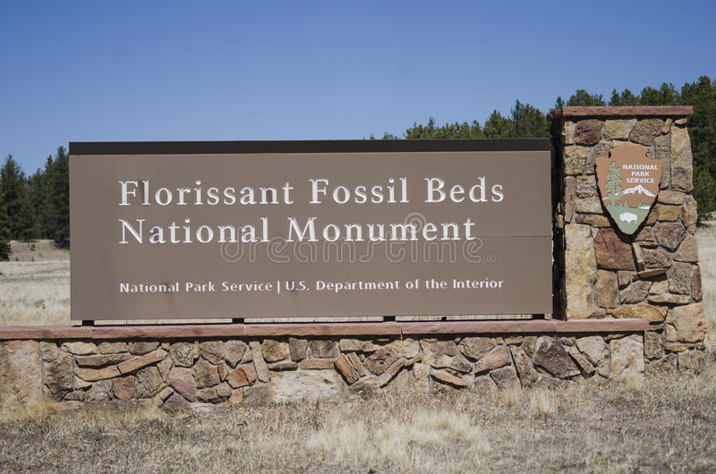 Florissant Fossil Beds National Park Monument Sign to entrance. The Florissant Fossil Beds National Monument is a national monument located in Teller County stock photos