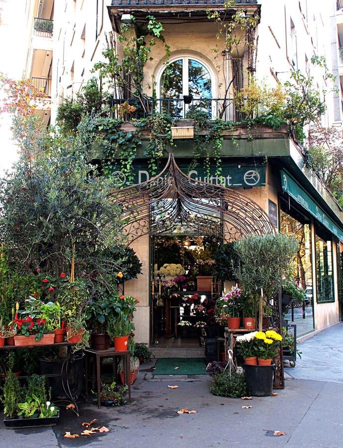 Florista em Paris imagens de stock
