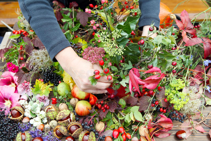 Floristry in autunno fotografie stock