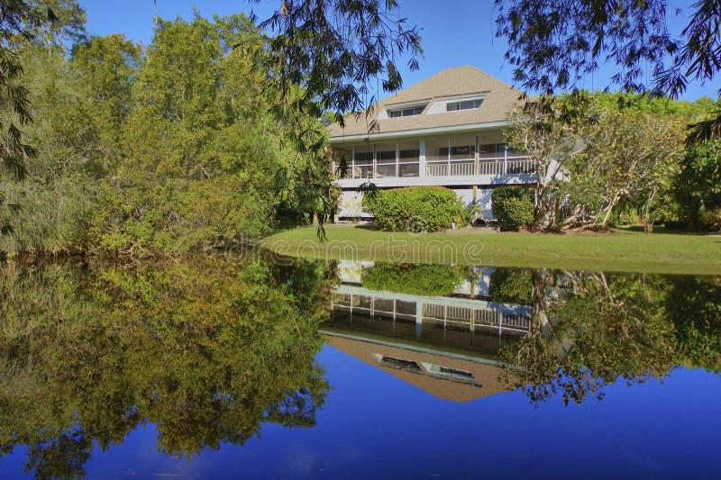 Floryda dom z intymnym stawowym odbiciem obrazy royalty free