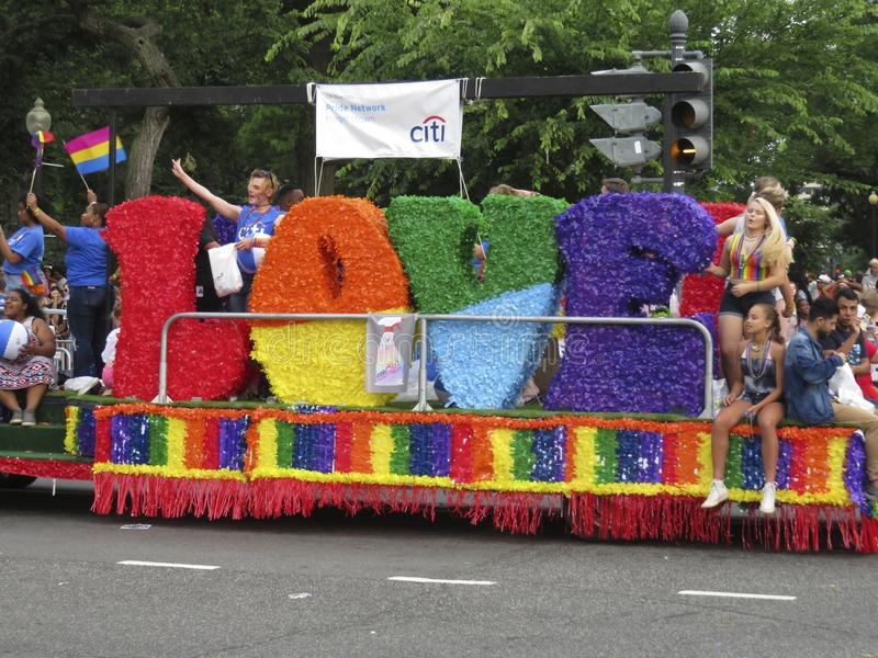 Flotador del amor en Pride Parade capital imagen de archivo