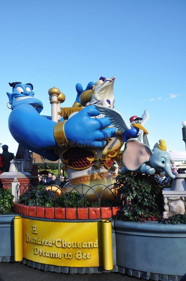 Flotador del desfile de Aladdin en el mundo Orlando de Disney fotos de archivo