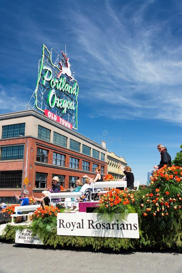 Flotador floral magnífico del desfile fotos de archivo libres de regalías