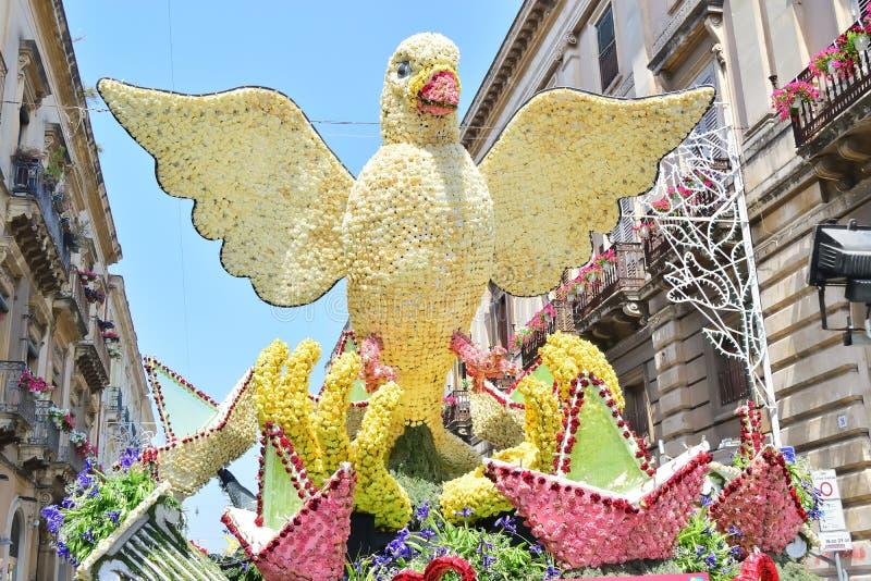 Flotador florido que representa diversos caracteres de la fantasía imágenes de archivo libres de regalías