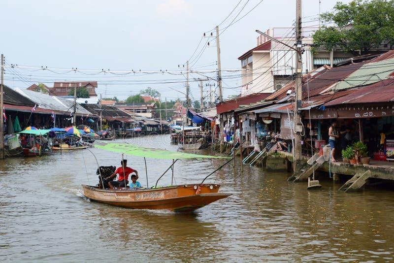 flottörhus marknad för amphawa Samut Songkhram landskap thailand arkivbilder