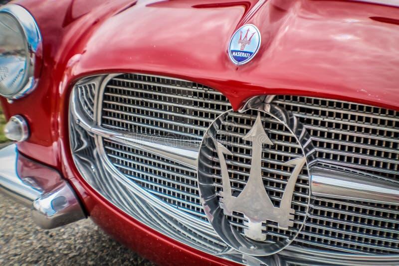 Flotta röda Maserati royaltyfria foton