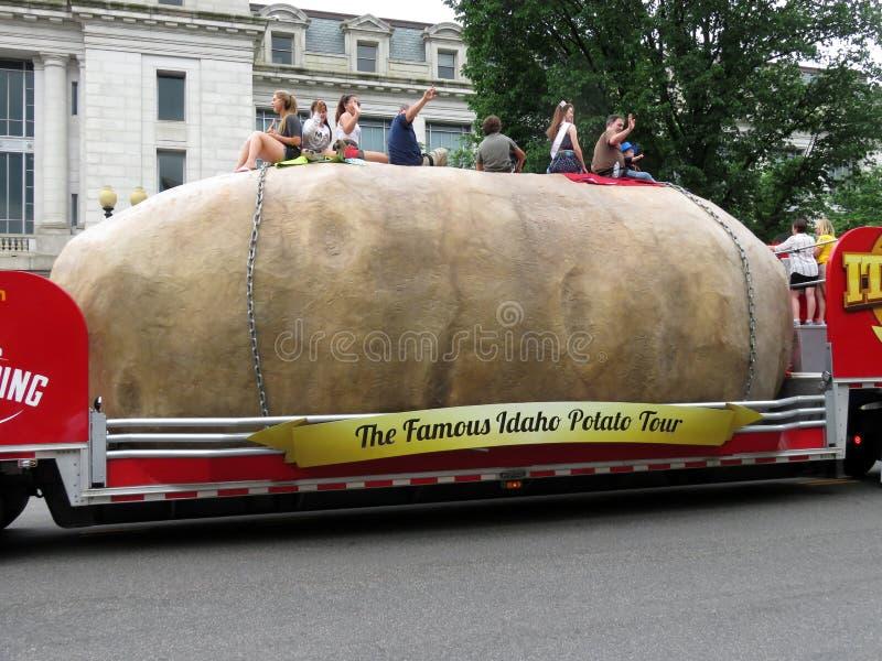 Flotteur de pomme de terre de l'Idaho au défilé image libre de droits
