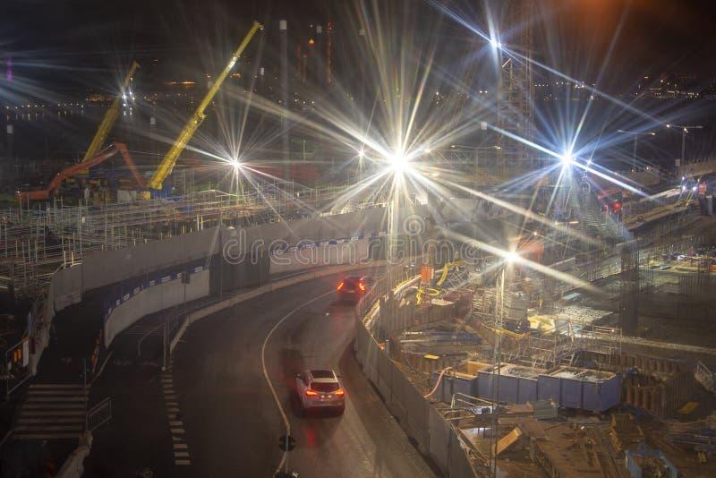 Flou de mouvement avec lumière vive sur un grand chantier images libres de droits