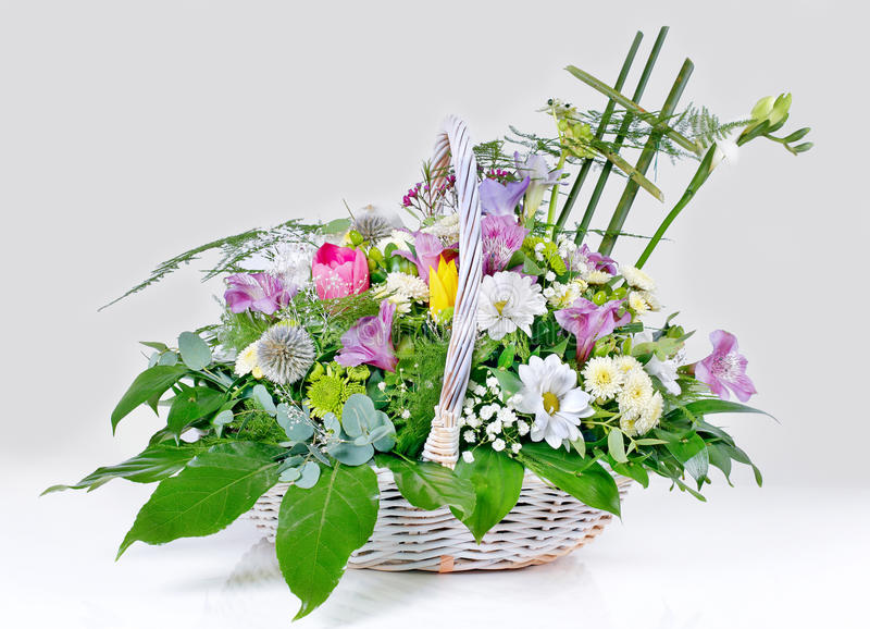 Download Flower Arrangement Royalty Free Stock Photo - Image: 16809885