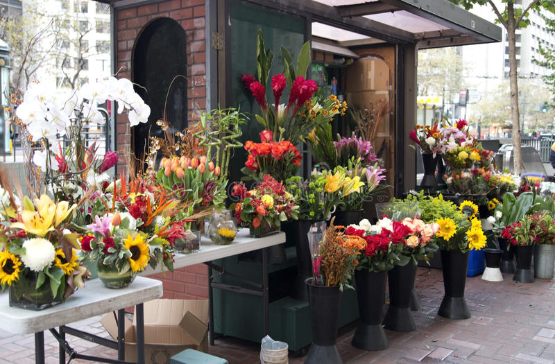Download Flower Store On The Roadside Stock Image - Image: 35652763