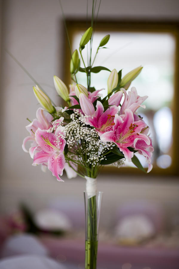 Flower Table Centre Piece Royalty Free Stock Image