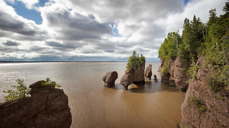 Flowerpot πανόραμα βράχων, Hopewell, Νιού Μπρούνγουικ στοκ εικόνες