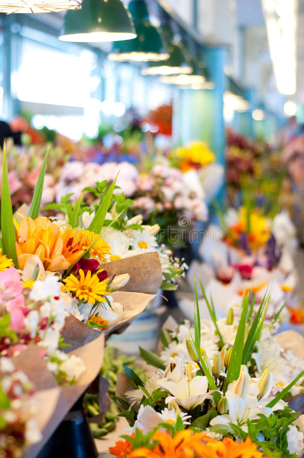 Free Flowers For Sale At Pike Place Market, Seattle Royalty Free Stock Photography - 10333007