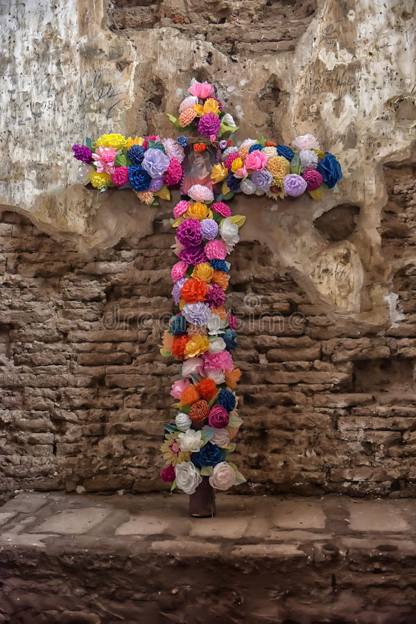 Free Flowers Of A Cross Of Jesus Royalty Free Stock Photos - 75761888