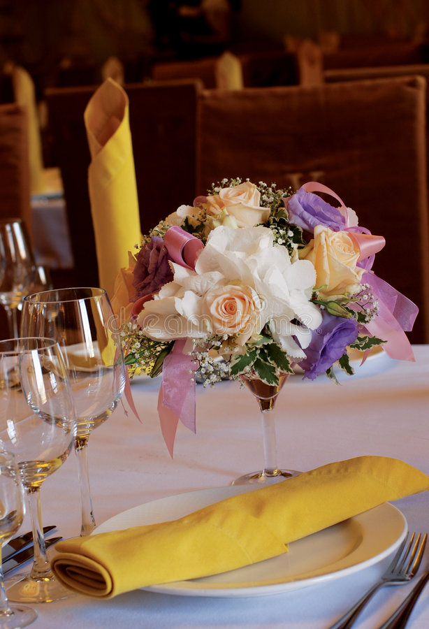 Free Flowers On The Table Stock Photos - 5983393