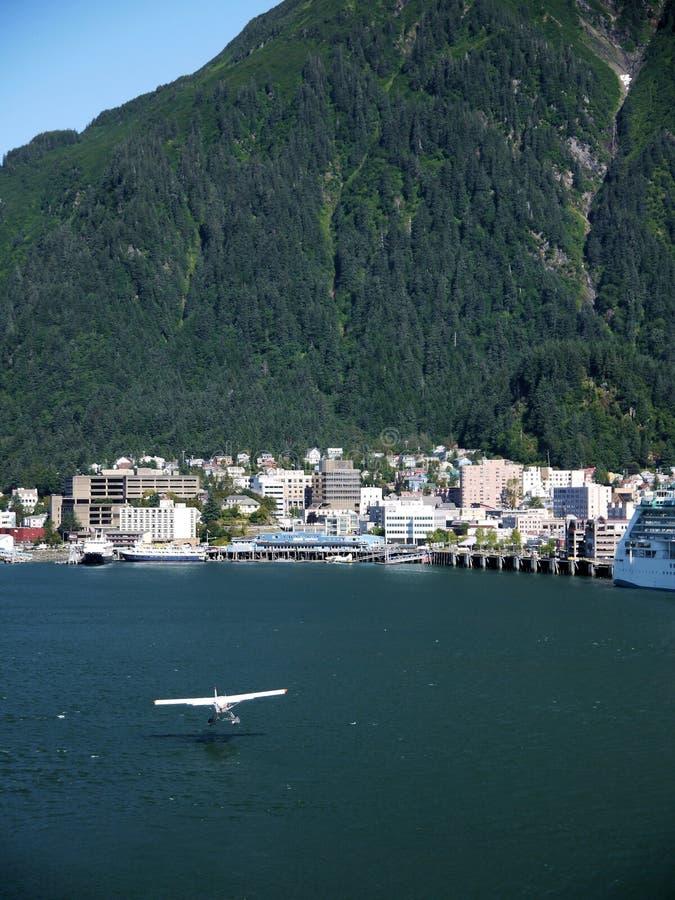 Flug in Juneau, Alaska lizenzfreie stockfotos