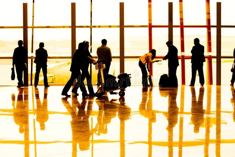 Fluggast im Flughafen stockbilder