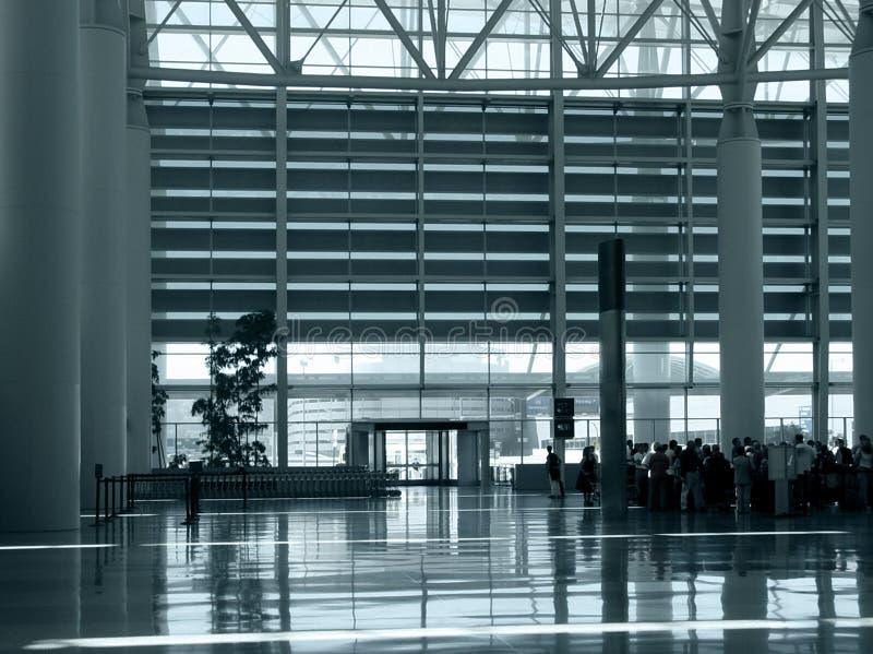 Download Am Flughafen stockbild. Bild von halle, morgen, dynamisch - 28983