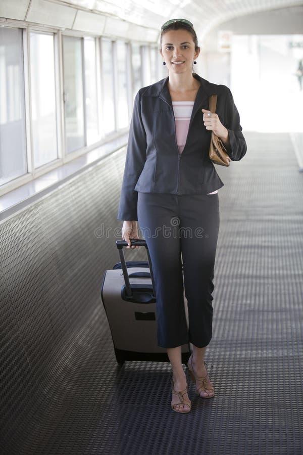 Flughafen-Frau lizenzfreie stockfotos