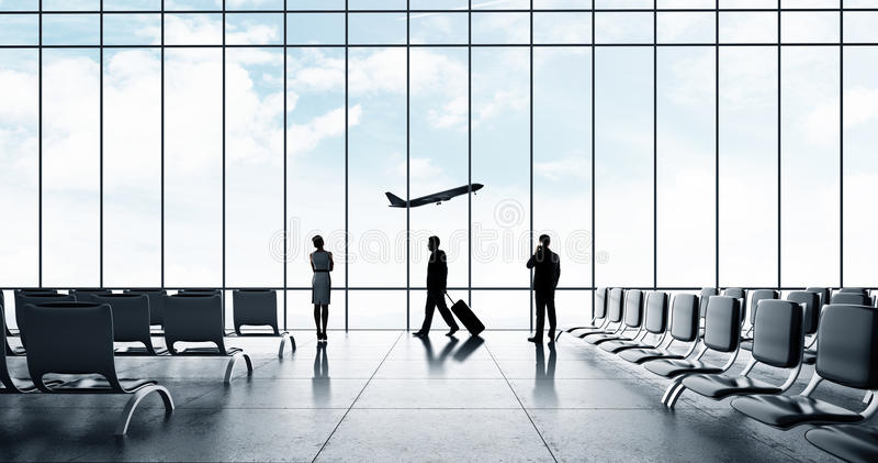 Flughafen mit Leuten lizenzfreies stockfoto
