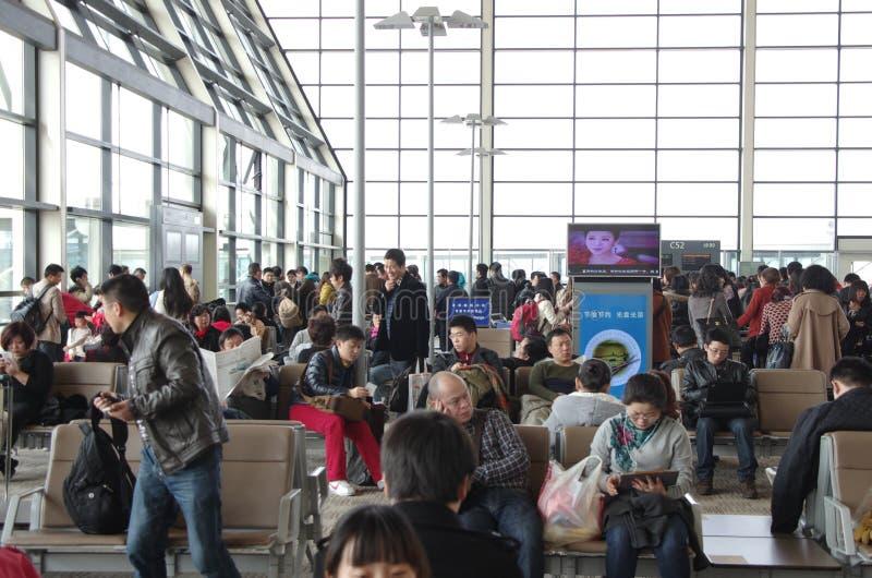 Flughafen-Wartebereich lizenzfreie stockbilder