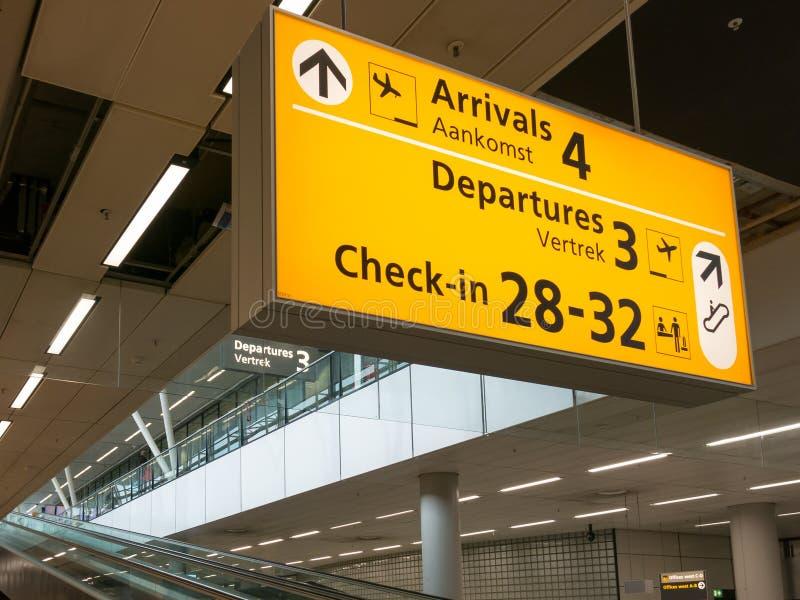 Flughafenabfertigungsgebäudezeichen Schiphol Amsterdam, Holland lizenzfreie stockfotos