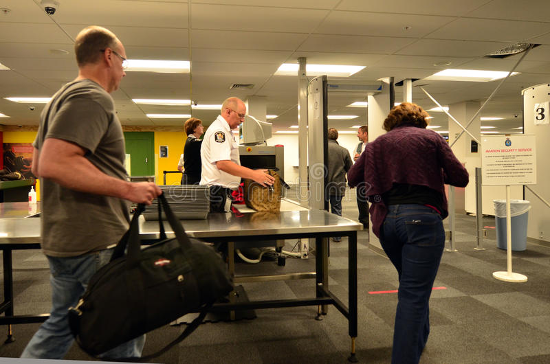 Flughafensicherheitsstation stockbild