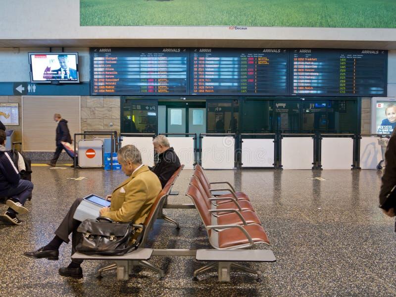 Flughafenwartebereich stockbild