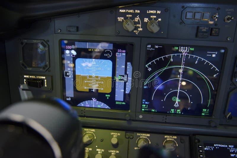 Fluglageindikatoranzeigefeld und Navigationsanzeige stockbilder