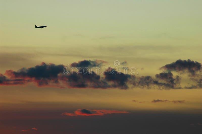 Fluglinien-Sonnenuntergang stockbilder