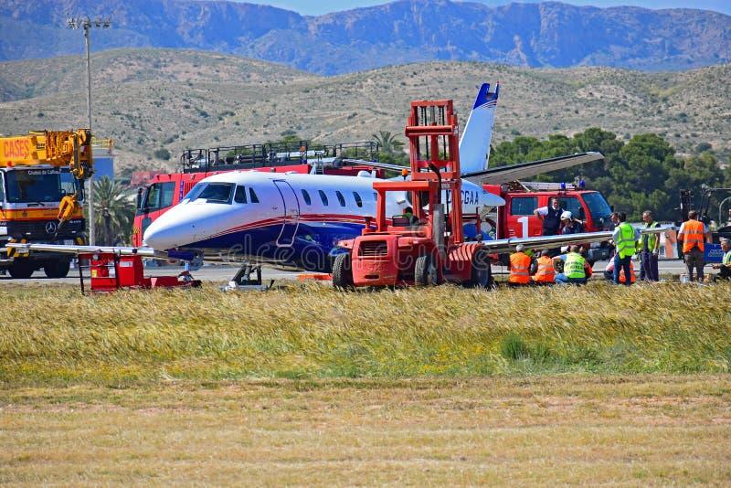 Flugunfall an Alicante-Flughafen stockbilder