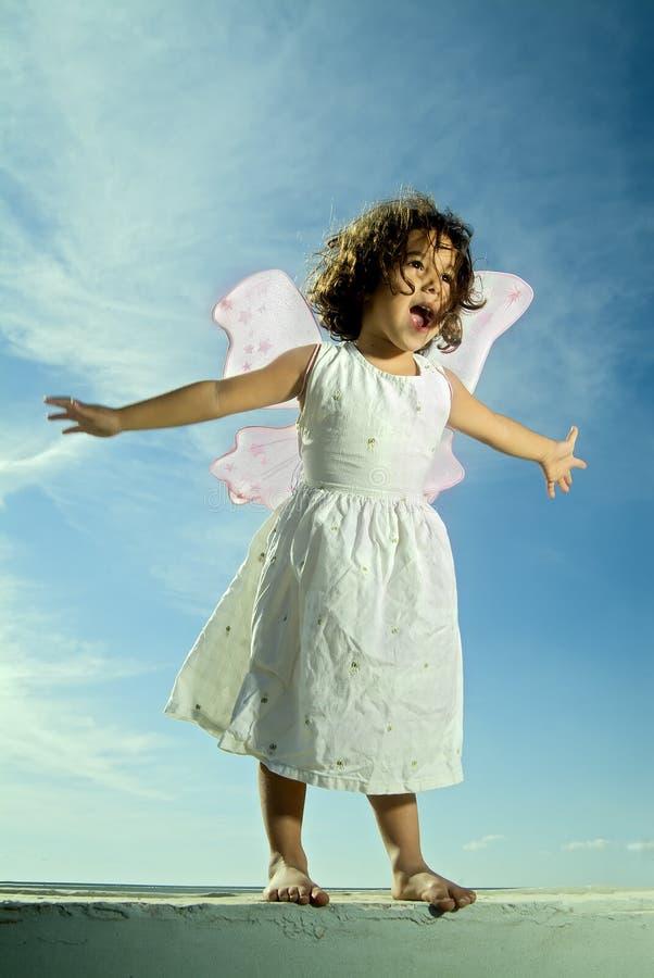 Flugwesen des jungen Mädchens lizenzfreie stockfotos