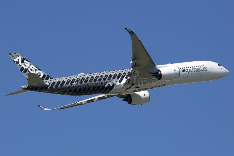 Flugzeug Airbusses A350 Toulouse-Flughafen stockfotografie