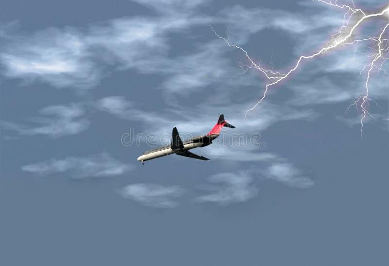 Flugzeug im Sturm lizenzfreies stockfoto