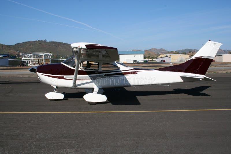 Flugzeug nach der Landung stockfotografie
